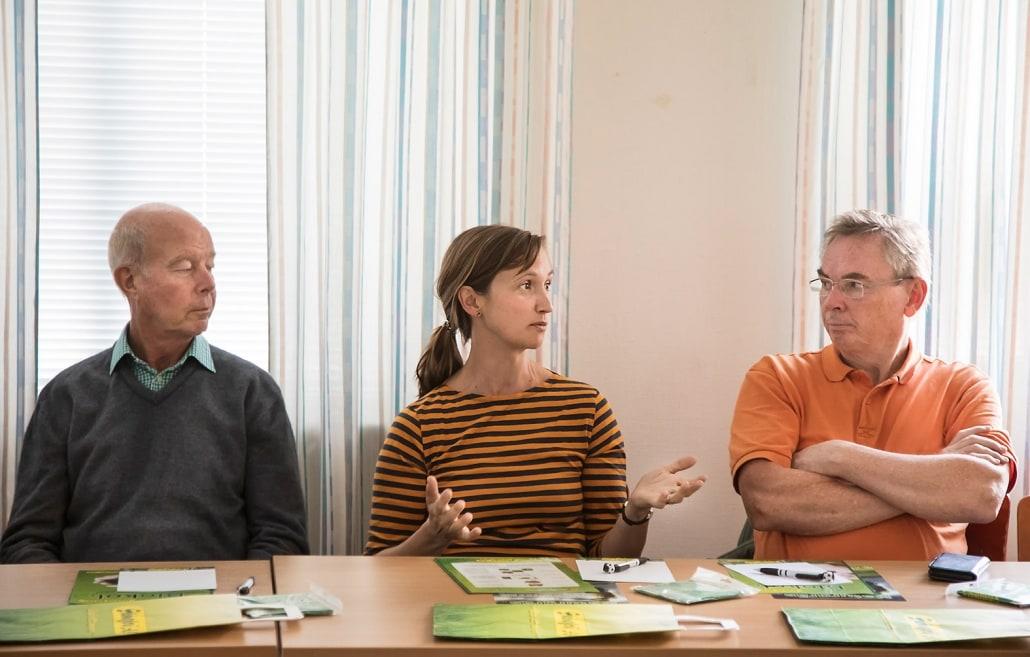 Nan Kjellberg från Absolut berättar om de olika aspekter som företag kan ha på att starta samarbeten både från ett risk- och möjlighetsperspektiv. Tv Michael Grennard (kustråd Marias väg Yngsjö) och till höger Yngve Svensson (Alnarp Cleanwater AB)