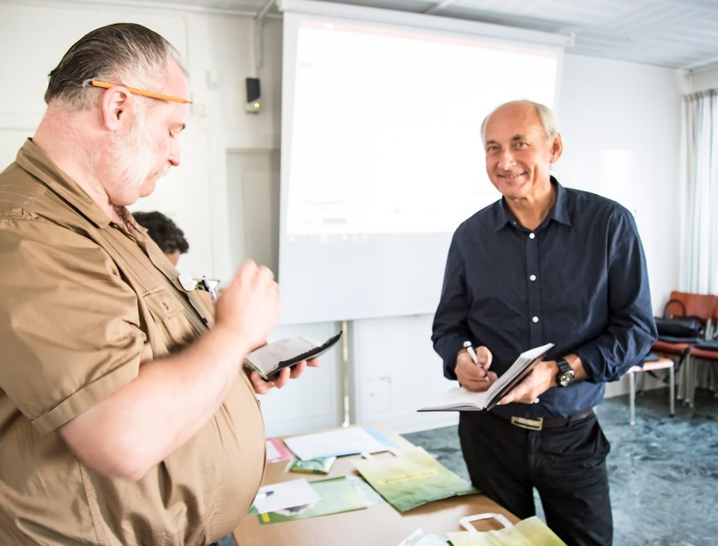 Dafvid Hermansson SfH och Torbjörn Friede Entreprenörsstiftelsen synkar sina kalendrar för eventuellt obokade tider